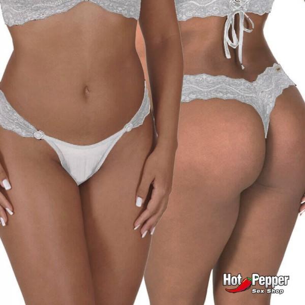 Uma modelo muito sensual vestindo uma calcinha fio dental branca muito sensual. Uma lingerie extremamente sexy que é perfeita para provocações
