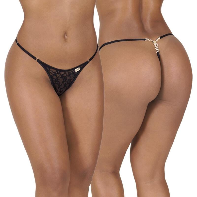 Uma modelo com uma bunda grande e muito bonita usando uma mini calcinha fio dental muito sexy. Uma lingerie muito sensual com detalhes em renda preta.