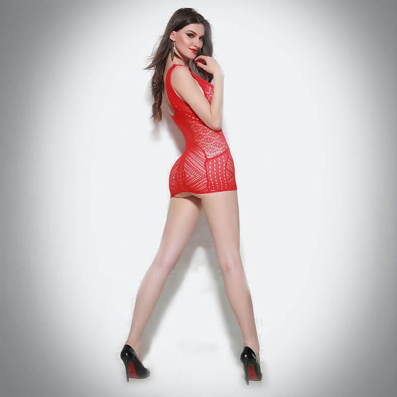 uma mulher linda usando macacão bodystocking vermelho extremamente